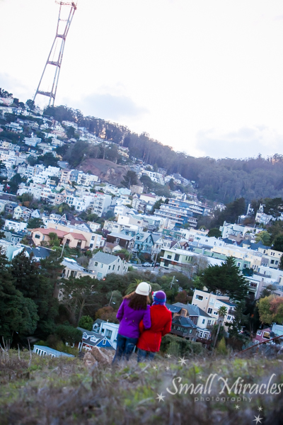 Sister photo session with sutro tower